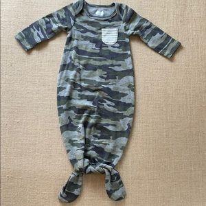 Like new Mud Pie camo tie bottom gown pajamas